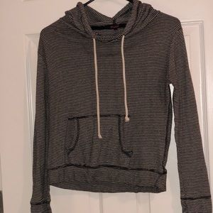 Light pull over hoodie, super thin and comfortable